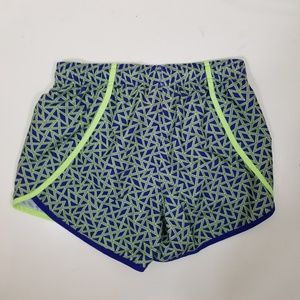Under Armour Heat Gear Loose Fit Girls Short Large